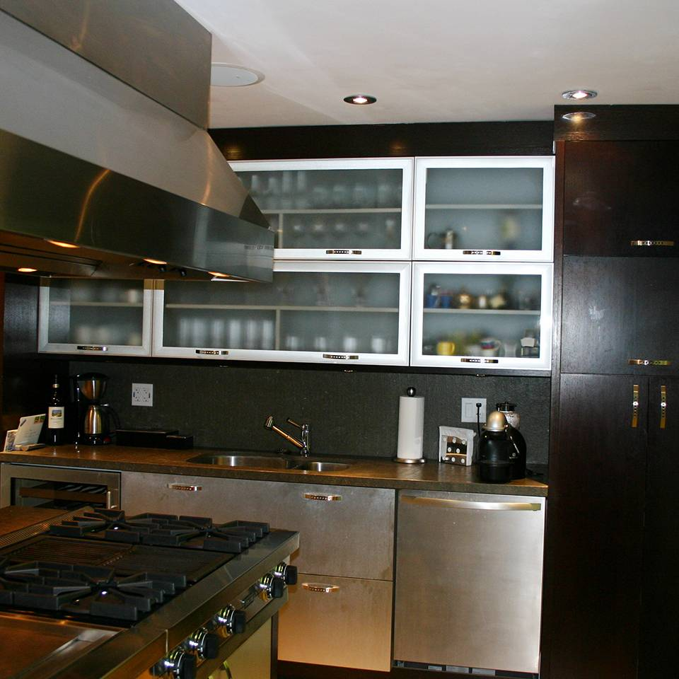 Modern kitchen installation ediss construction remodeling for Kitchen installation