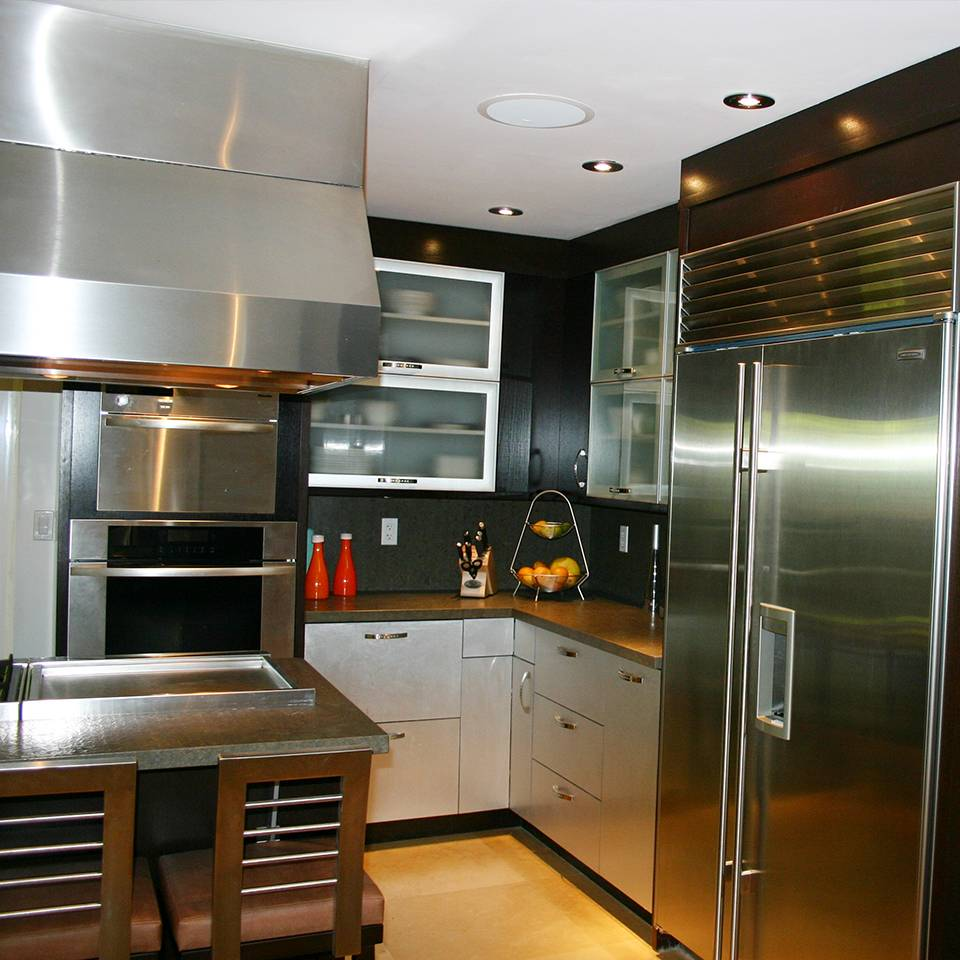 Modern kitchen installation ediss construction remodeling for Modern kitchen renovations